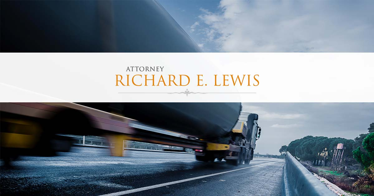 Truck Accident Lawyer Spokane WA : Richard E  Lewis, P S